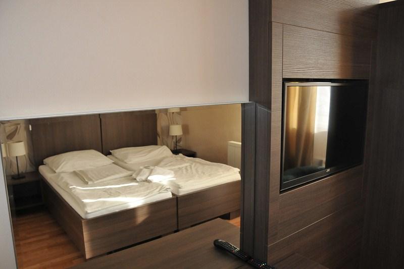 lustro hotelowe Taglio